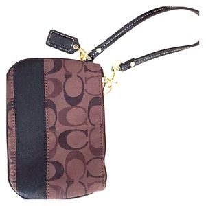 New without tags brown Coach wristlet